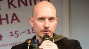 Hodně se radím se spisovateli samotnými, přiznává skromně Ondřej Jireš