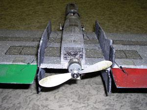 Původní umístění motoru